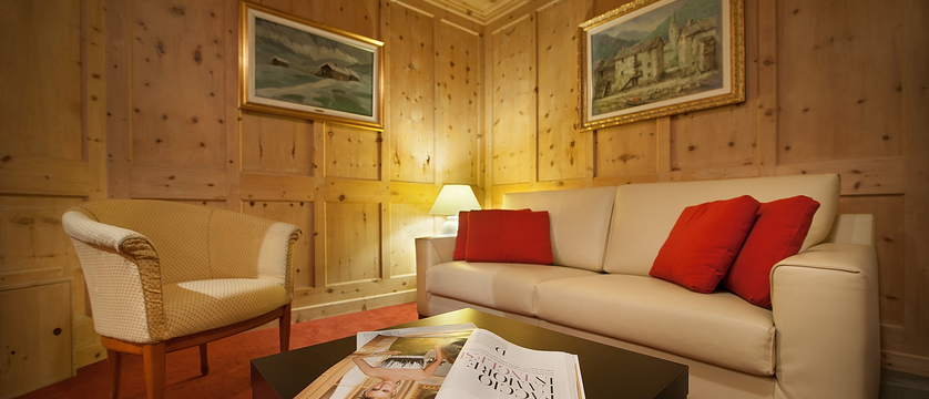 italy_livigno_hotel-st-michael_lounge2.jpg